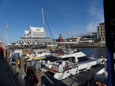 """Waterfront, met het beroemde café 'Den Anker"""""""