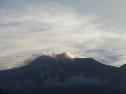de Etna zit dikwijls tussen de wolken, hier is hij zichtbaar!